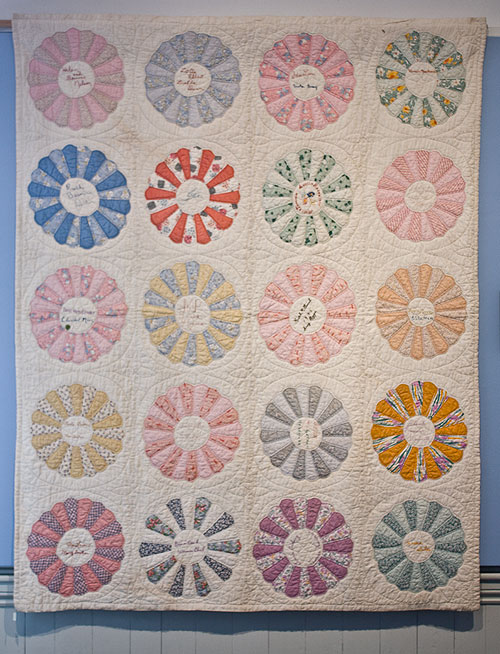 Quilt by Women's Club of Beaver Creek, Oregon