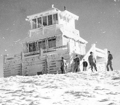WWII soldiers training at Marys Peak fire lookout station